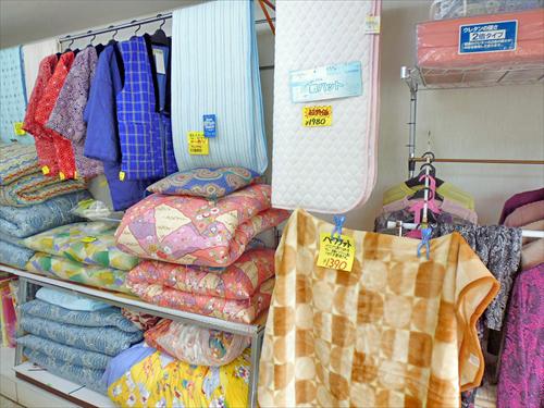 布団工房ふるや寝装2店内右側